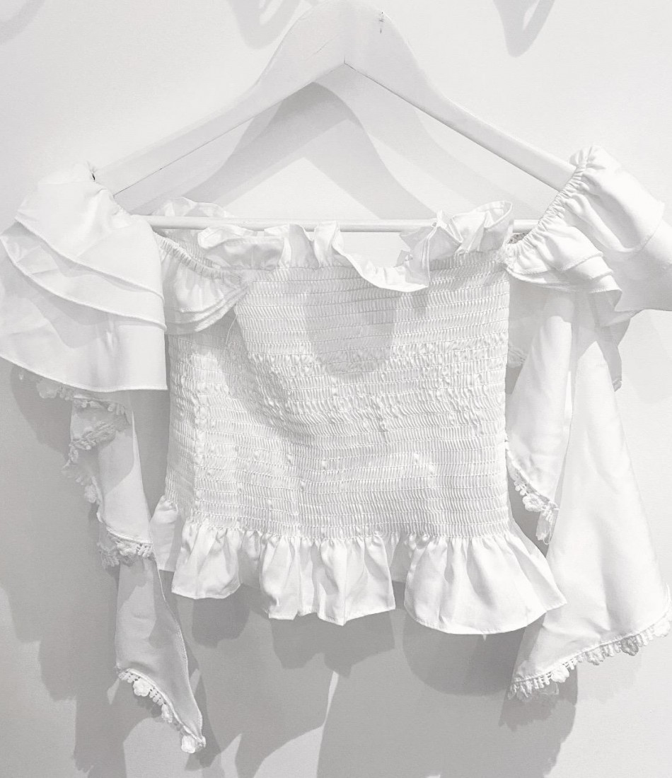 DELILAH RUFFLE TOP IN WHITE
