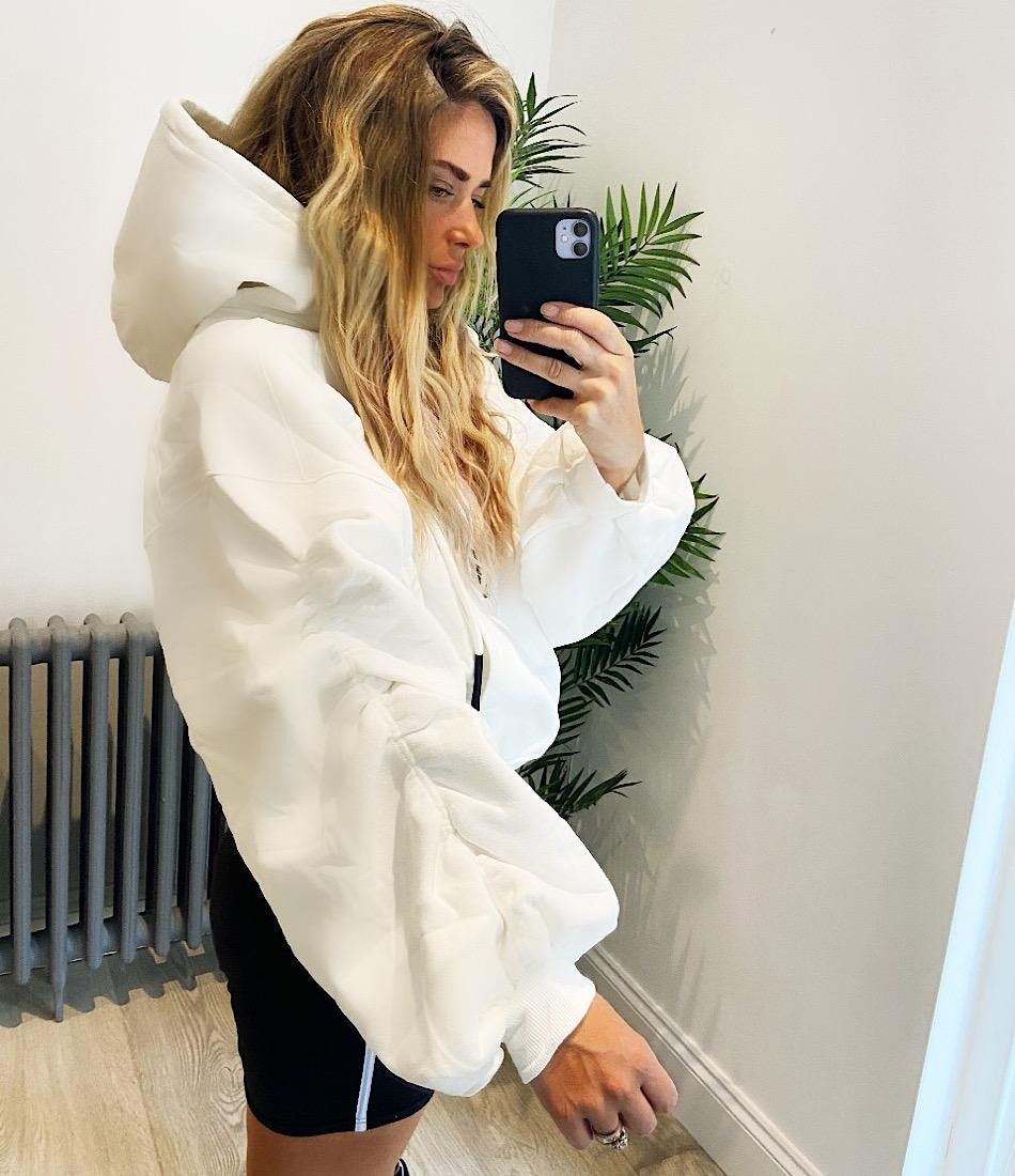 ELE OVERSIZE HOODIE IN WHITE