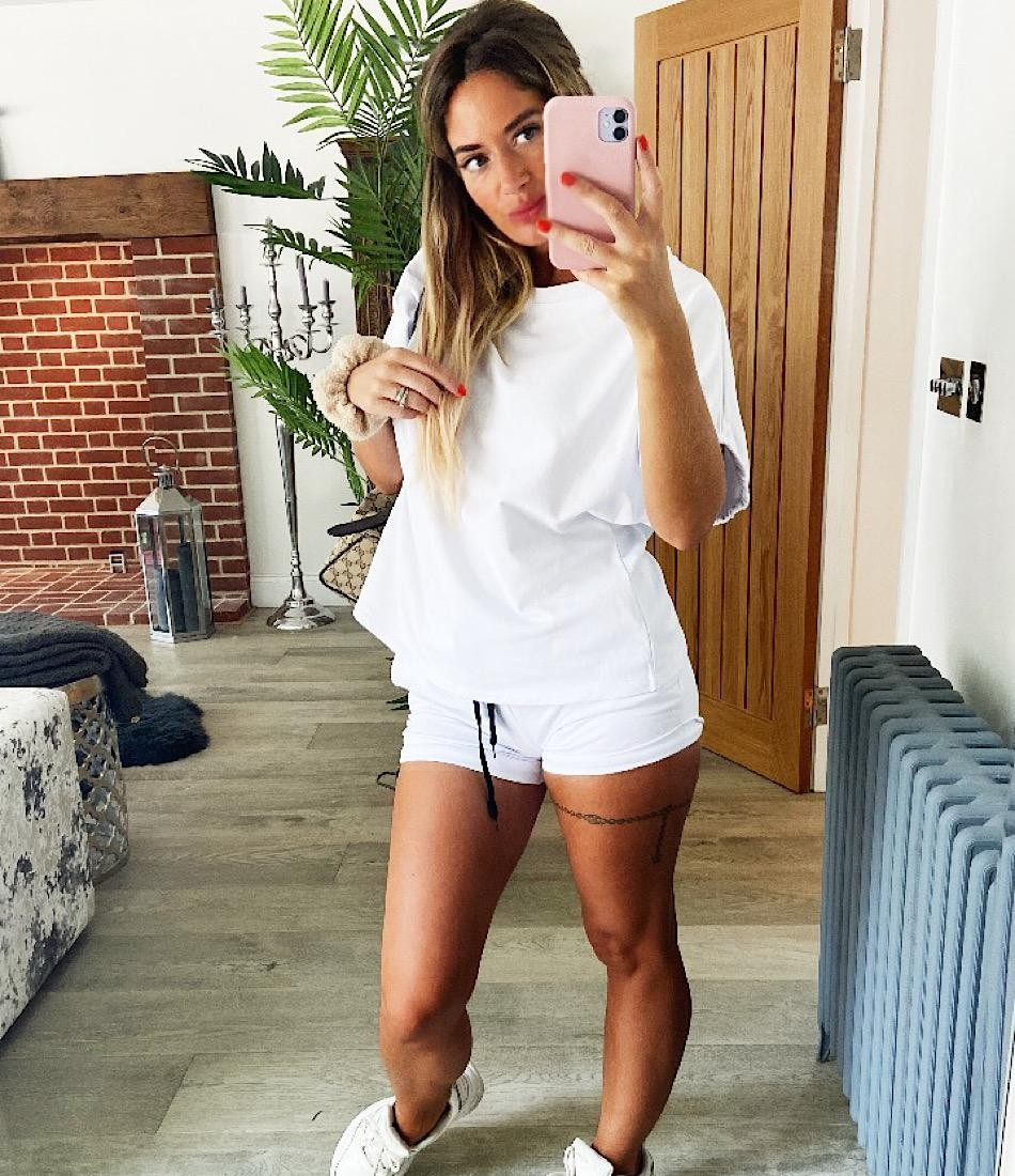 BASIC SHORTS SET IN WHITE